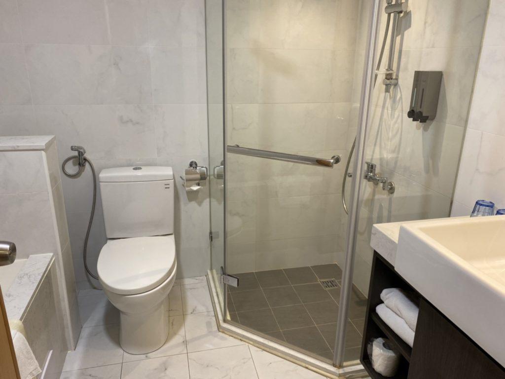 台中兆品酒店二人房浴室