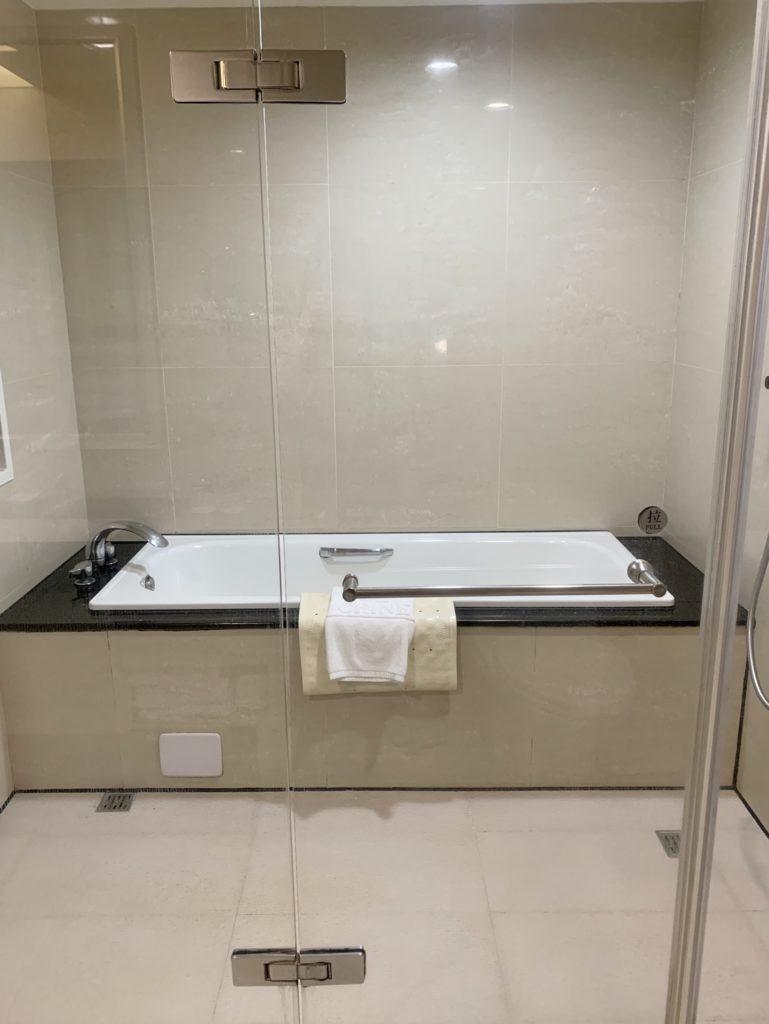 台中兆品酒店四人房浴室